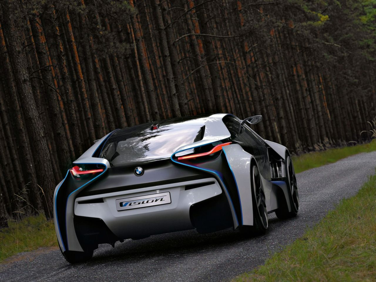New BMW Vision EfficienctDynamics Concept Officially Revealed ...