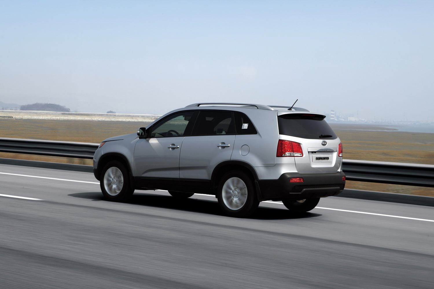 kia sorento 2010 img 4 it s your auto world new cars auto news reviews photos videos. Black Bedroom Furniture Sets. Home Design Ideas
