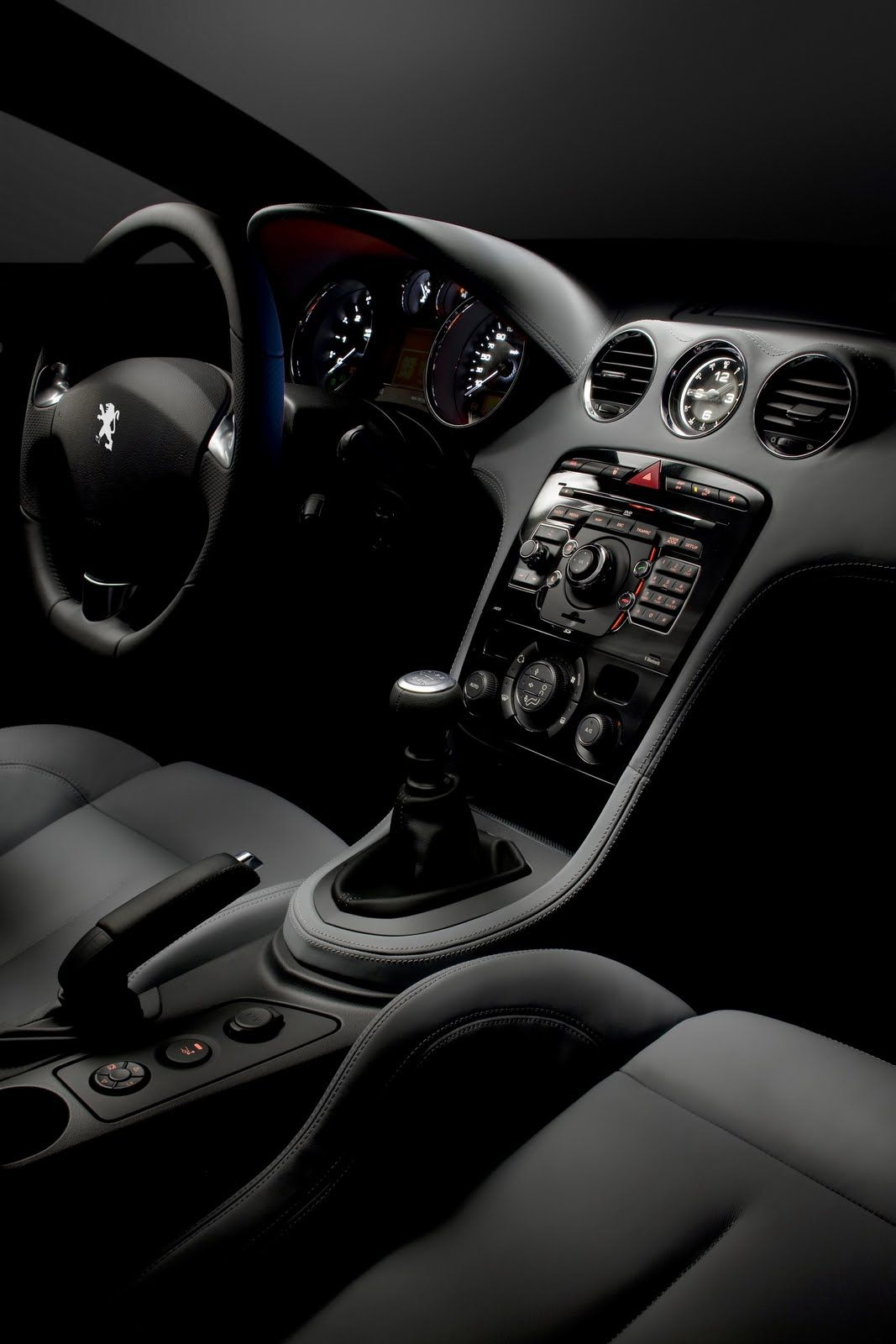 new peugeot rcz coupe officially revealed details and photos it s your auto world new. Black Bedroom Furniture Sets. Home Design Ideas