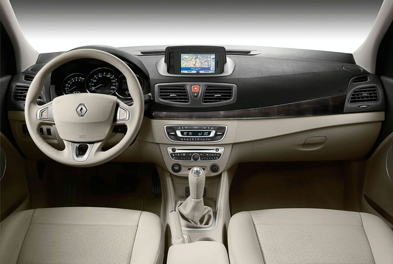 renault fluence interior img 9 it s your auto world new cars auto news reviews photos. Black Bedroom Furniture Sets. Home Design Ideas