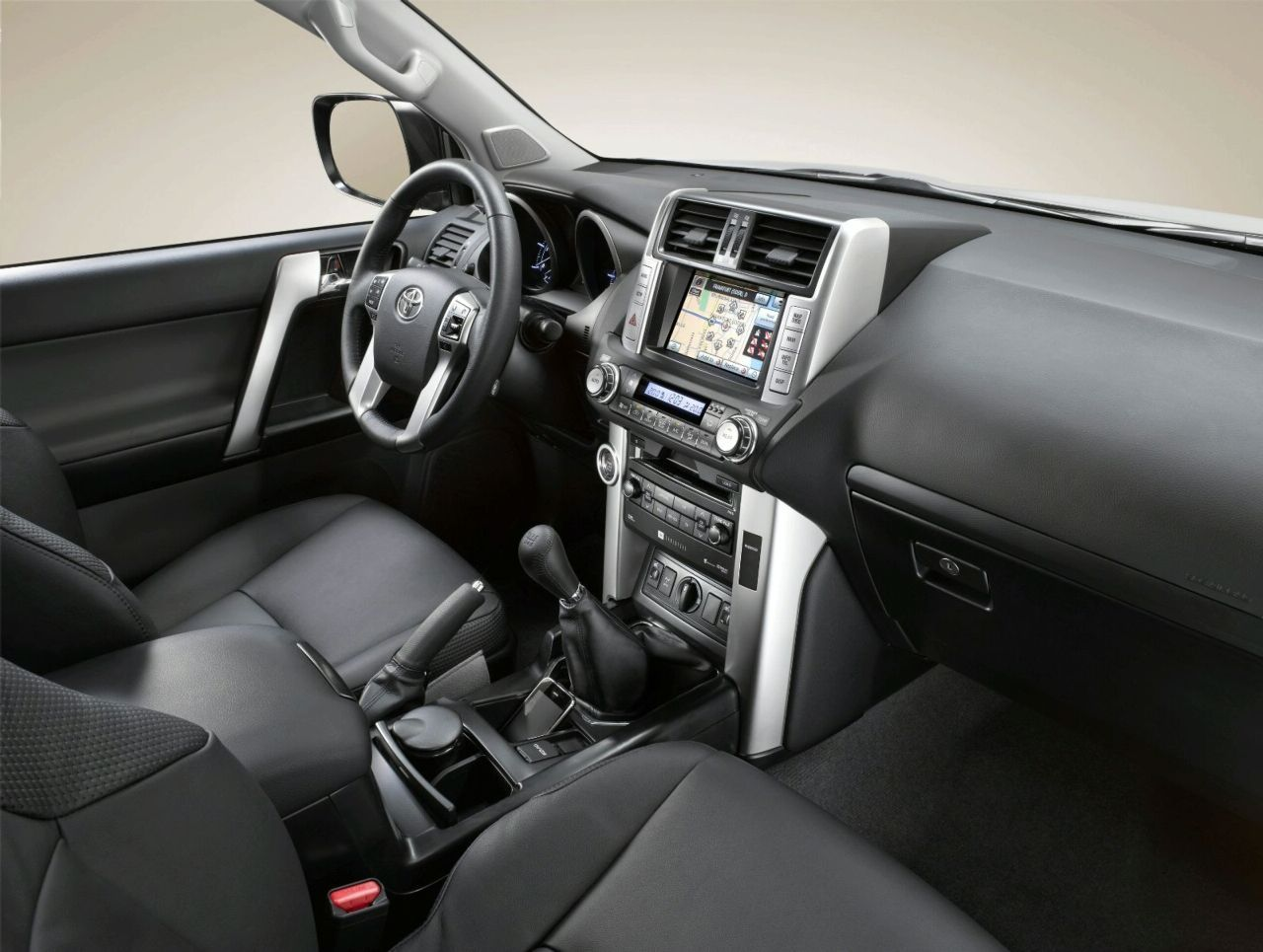 Toyota Land Cruiser 2010 Interior Img 8 It S Your Auto World New Cars Auto News Reviews