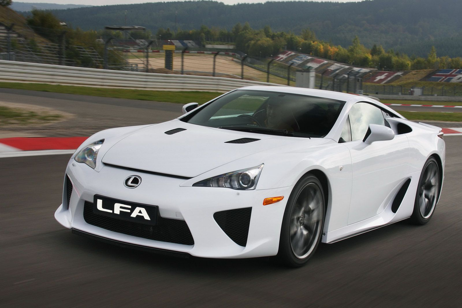 new 2010 lexus lfa supercar officially revealed photos and video it s your auto world new. Black Bedroom Furniture Sets. Home Design Ideas