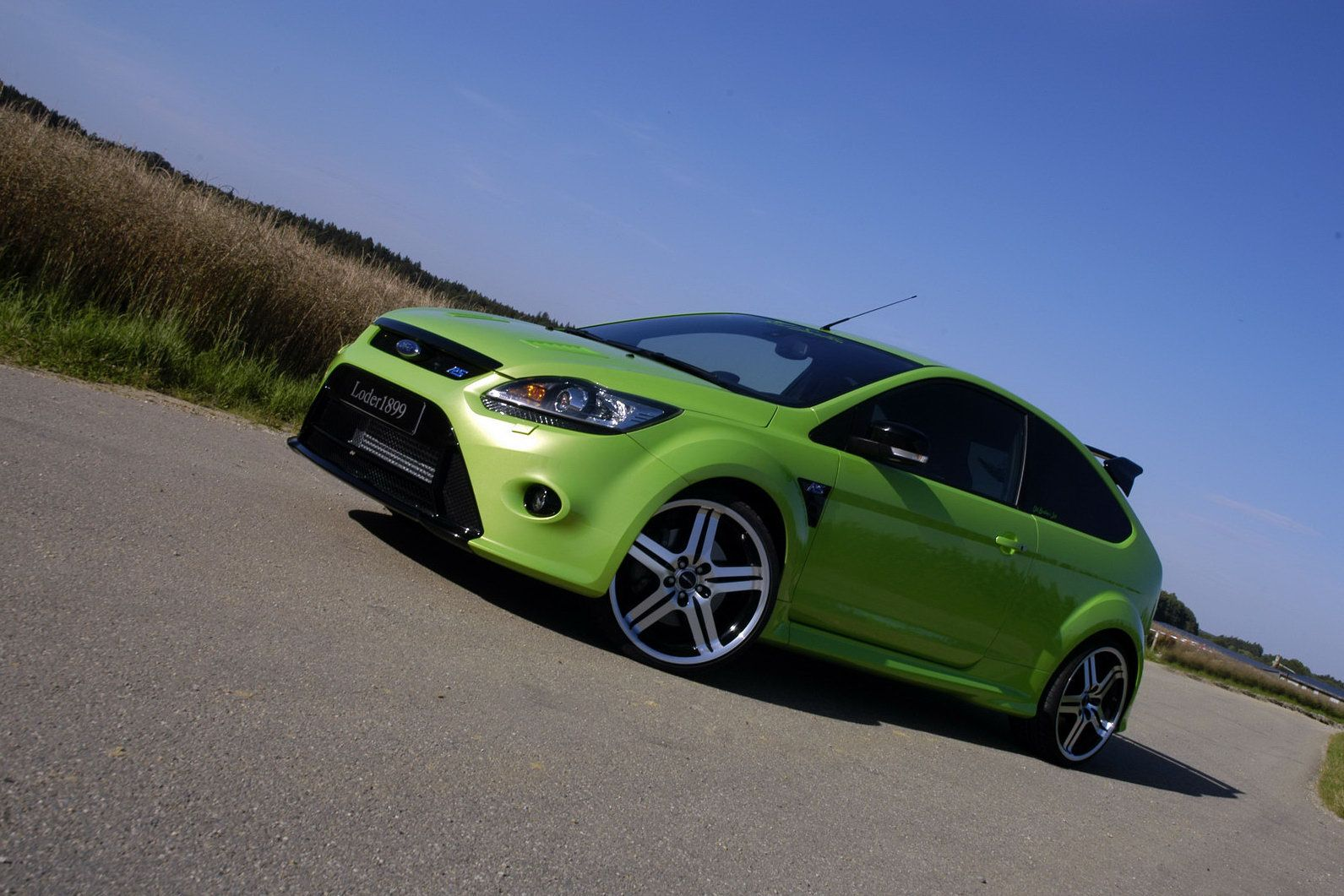 tuning loder1899 heats up the new ford focus rs photos it s your auto world new cars. Black Bedroom Furniture Sets. Home Design Ideas