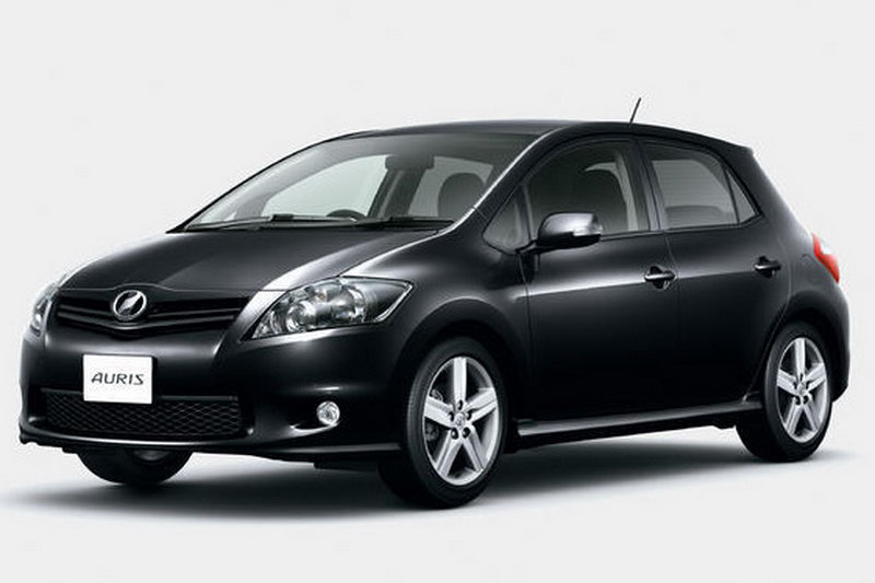 2010 toyota auris facelift revealed in japan details and. Black Bedroom Furniture Sets. Home Design Ideas