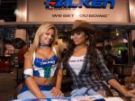 Girls_at_2009_SEMA_Auto_Show_img_18