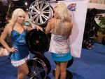 Girls_at_2009_SEMA_Auto_Show_img_3