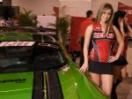 Girls_at_2009_SEMA_Auto_Show_img_9
