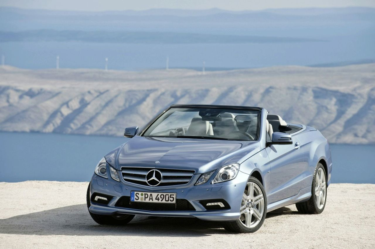 new 2010 mercedes e class convertible officially revealed photos and videos it s your auto. Black Bedroom Furniture Sets. Home Design Ideas