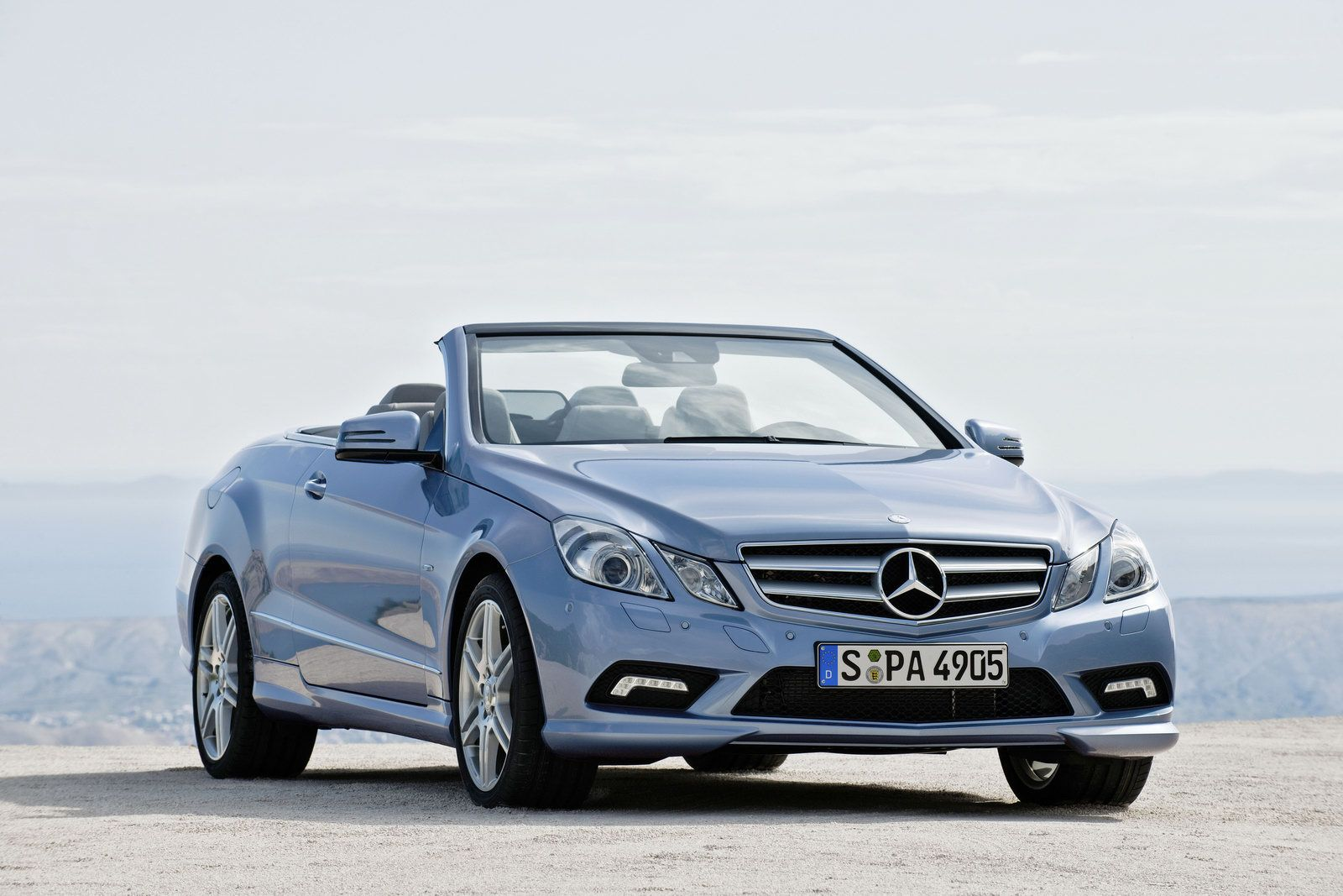 New 2010 mercedes e class convertible officially revealed for 2010 mercedes benz clk350