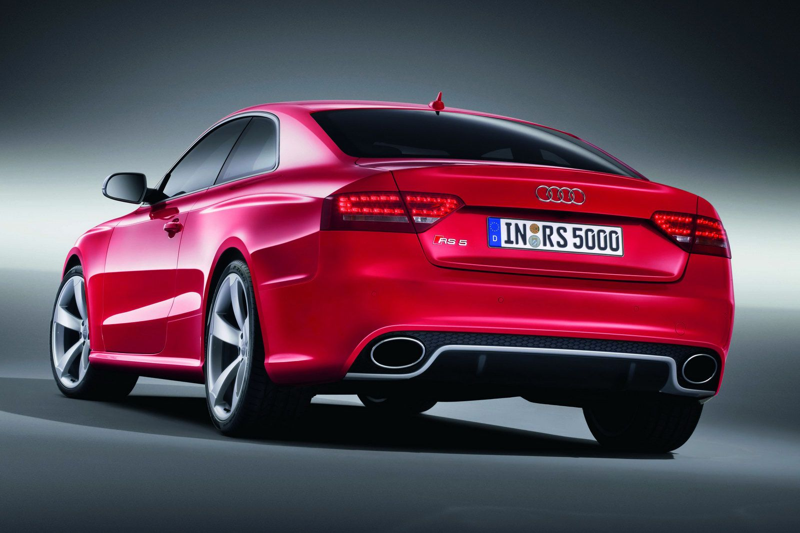 new 2011 audi rs5 coupe officially revealed details and. Black Bedroom Furniture Sets. Home Design Ideas