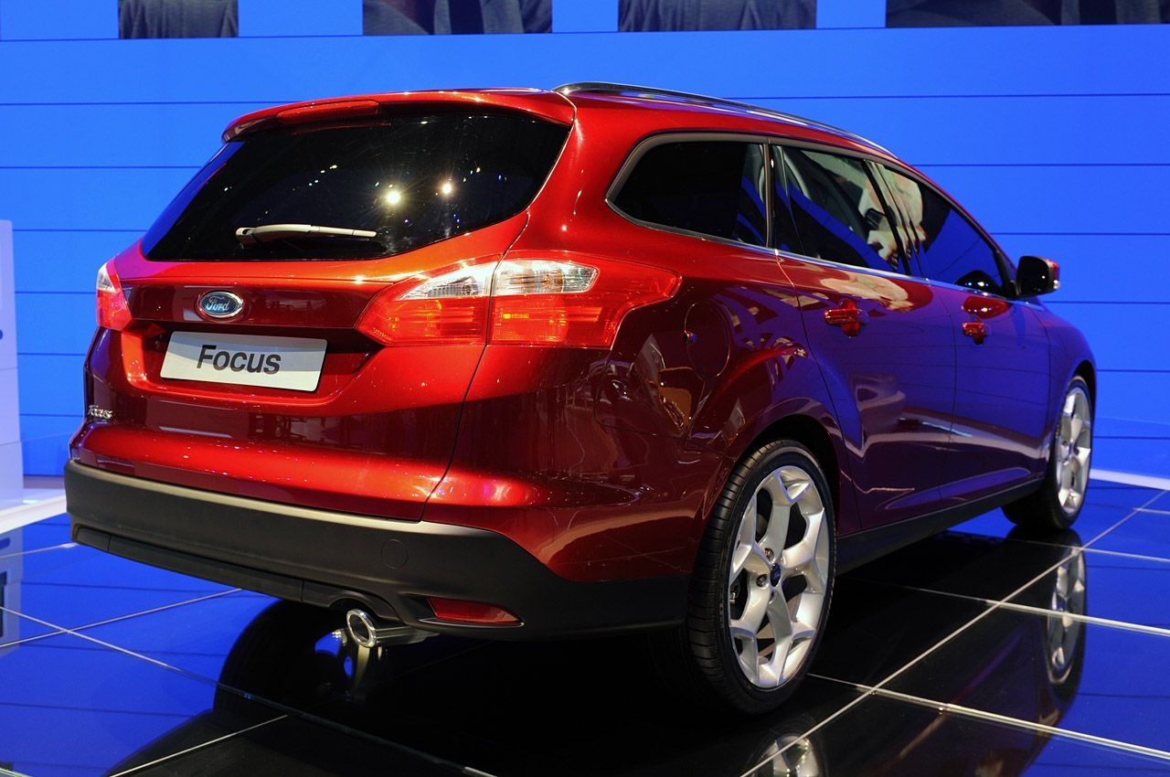 New 2012 Ford Focus Wagon & 5dr Hatchback LIVE Unveiling at Geneva