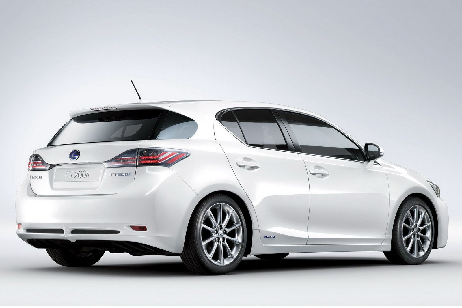 New lexus ct 200h official details and photos leaked lexus ct 200h 2011 img_3