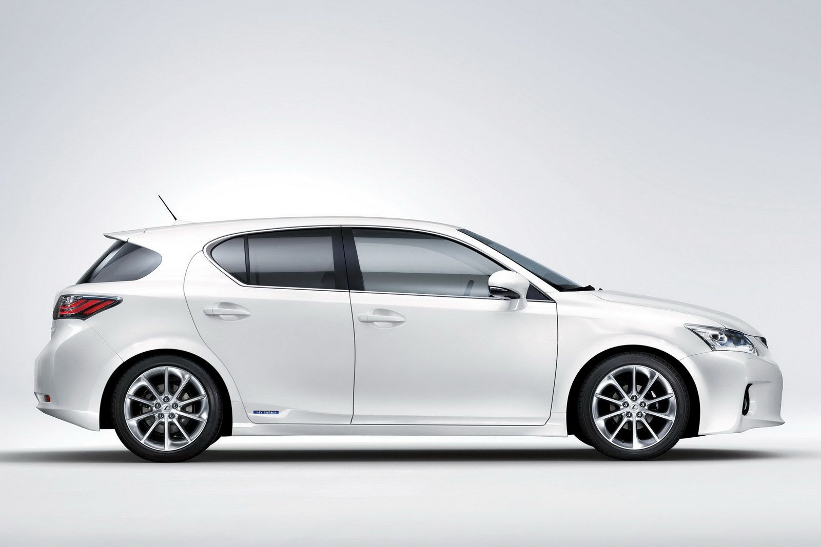 New lexus ct 200h official details and photos leaked lexus ct 200h 2011 img_4