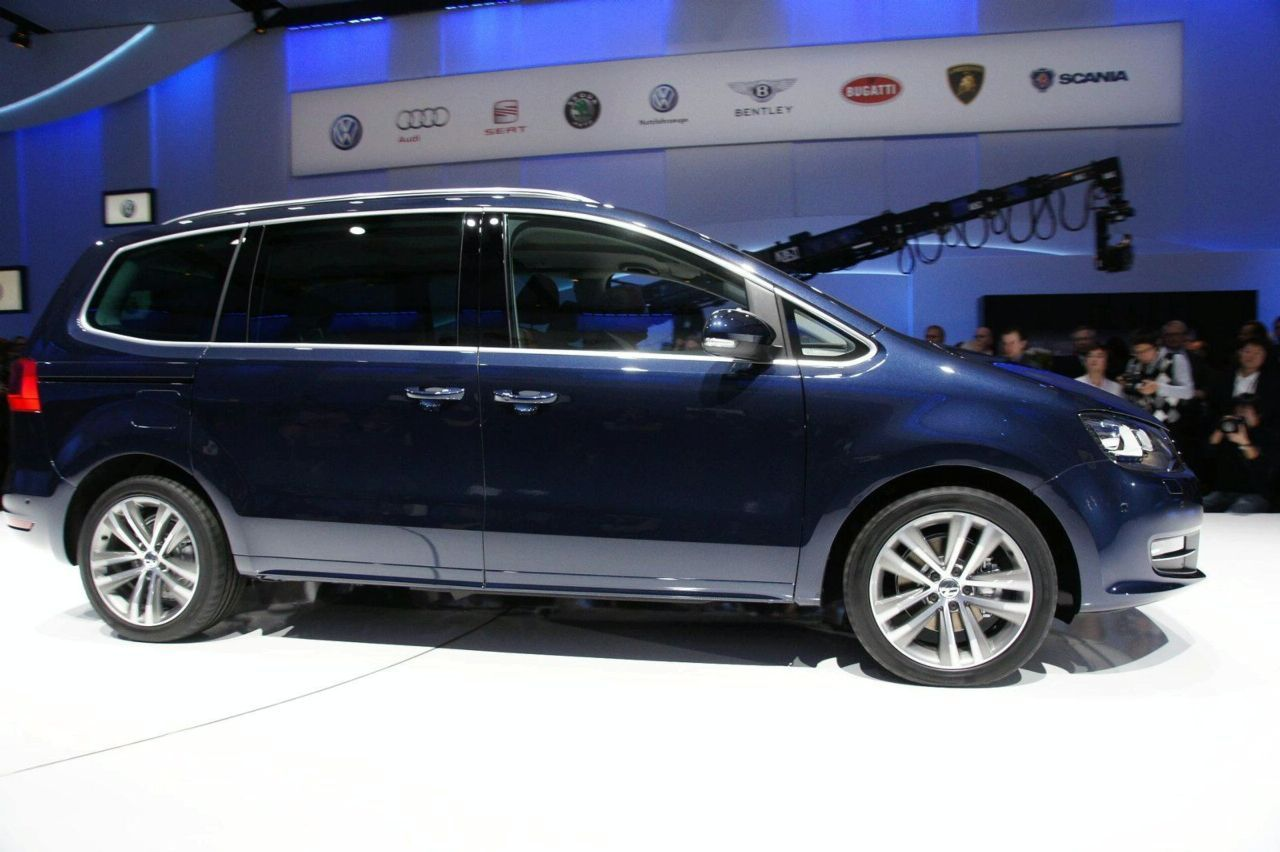 Cars With 3 Rows Of Seats >> All-new 2011 Volkswagen Sharan Introduced in Geneva ...